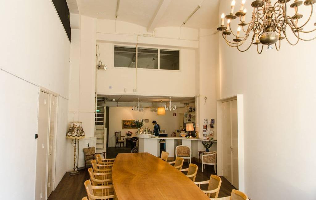 Lobby en bar fijnhout